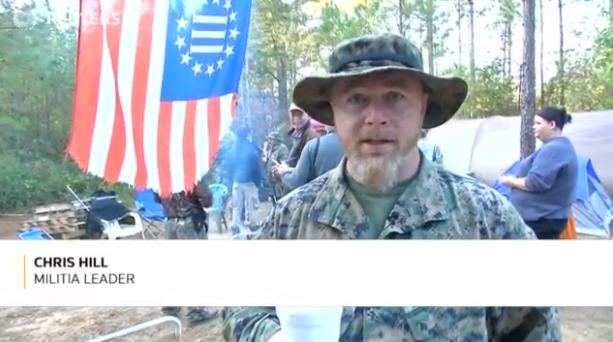Các nhóm dân quân tăng cường võ trang khi ngày bầu cử gần kề