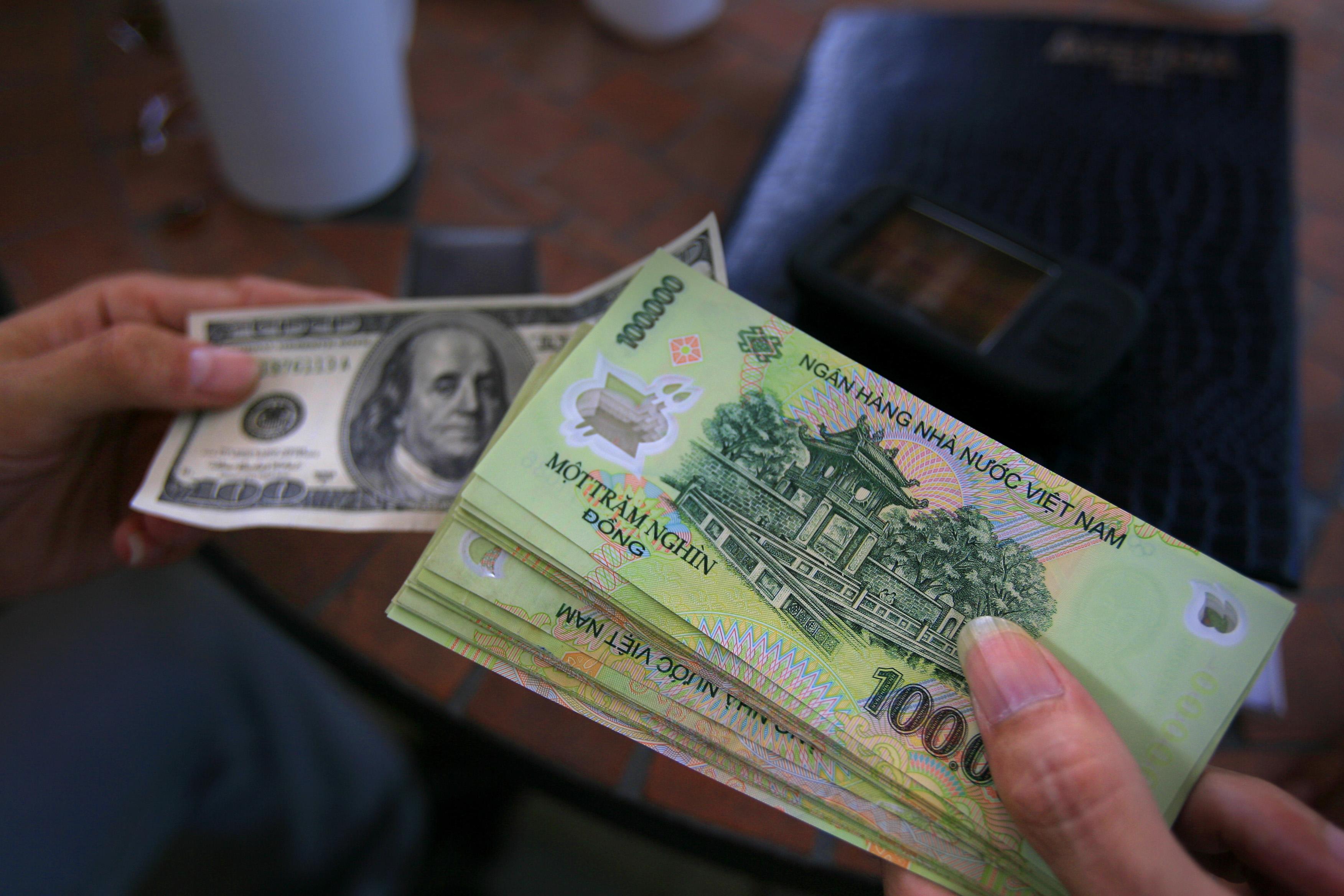 Giá trị đồng bạc Việt Nam thấp thứ 2 thế giới
