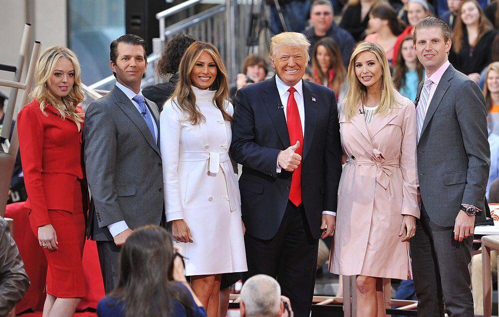 Ông Trump gây tranh cãi khi đưa con trai, con gái và con rể vào đội ngũ chuyển giao