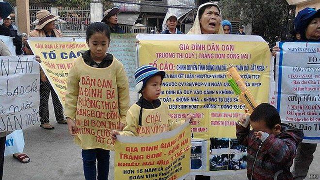 250 nhà nông Ba Vì biểu tình đòi đất