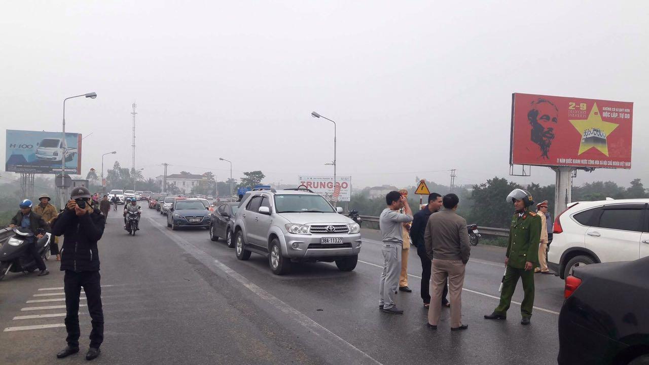 Người dân tiếp tục biểu tình chặn cầu Bến Thuỷ sang ngày thứ 2