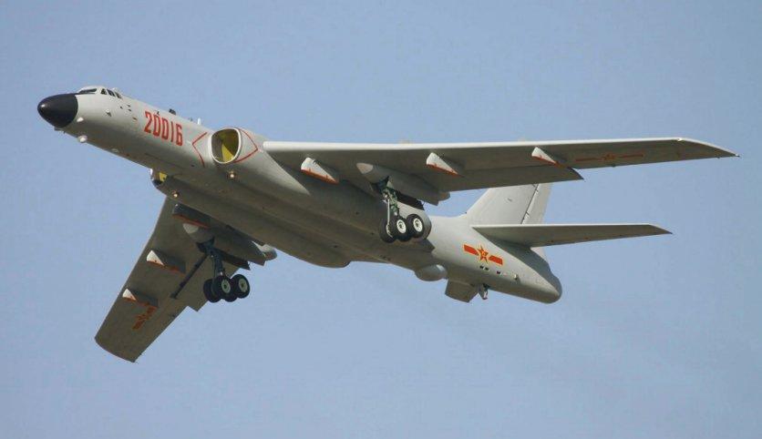 Trung Cộng cho oanh tạc cơ có khả năng nguyên tử bay qua Biển Đông