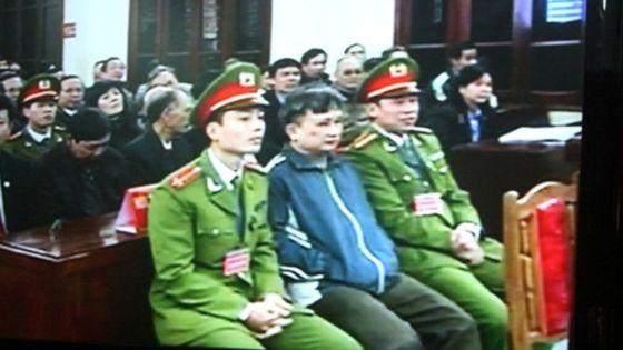 25 năm tù cho hai nhà tranh đấu Trần Anh Kim và Lê Thanh Tùng