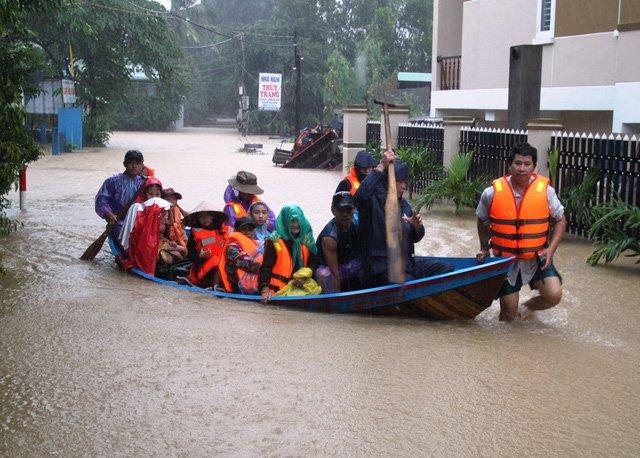 111 người thiệt mạng hoặc mất tích vì lũ lụt Miền Trung