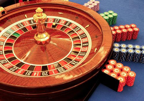 Thủ tướng CSVN xác nhận người Việt sẽ được chơi bài trong casino