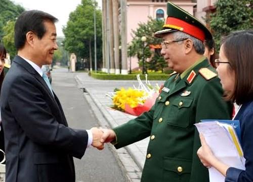 Nam Hàn và Việt Nam bàn về hợp tác quân sự