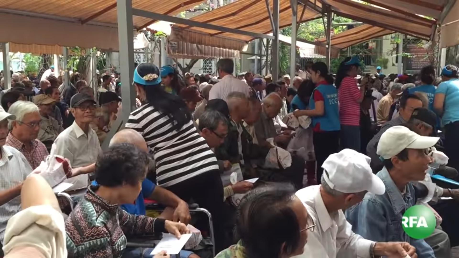 Mất chùa Liên Trì, Dòng Chúa Cứu Thế bị chính quyền làm khó trong cứu trợ thương phế binh VNCH