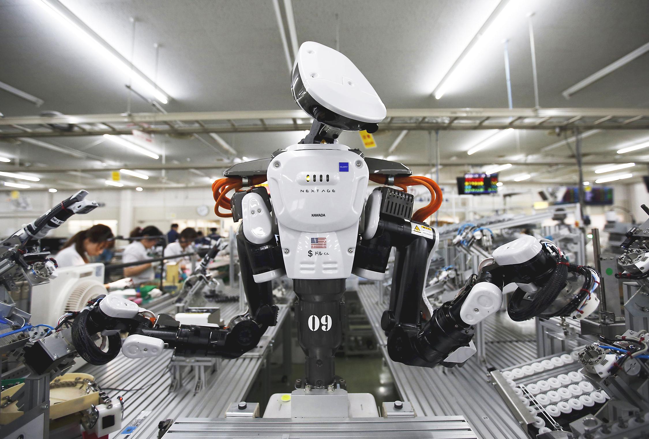 Cuộc cạnh tranh giữa người lao động và robot đã bắt đầu tại Việt Nam