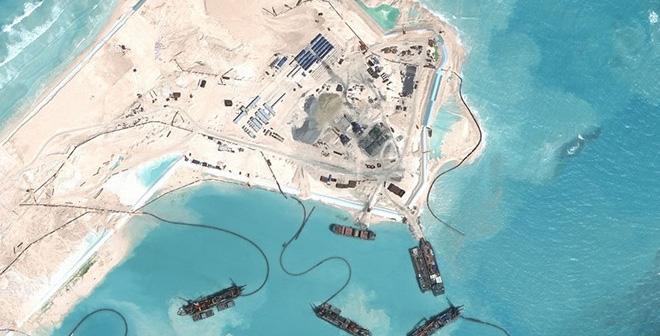 Báo Trung Cộng khoe khoang thành tích bồi lấp đảo và bãi đá ở Biển Đông