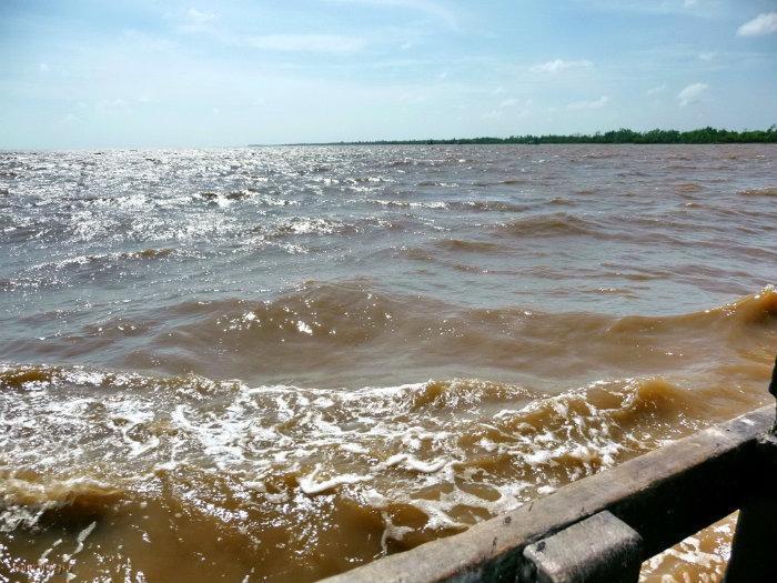 Khu du lịch Cửa Đại Hội An hoang vắng vì bãi cát bị bão cuốn trôi