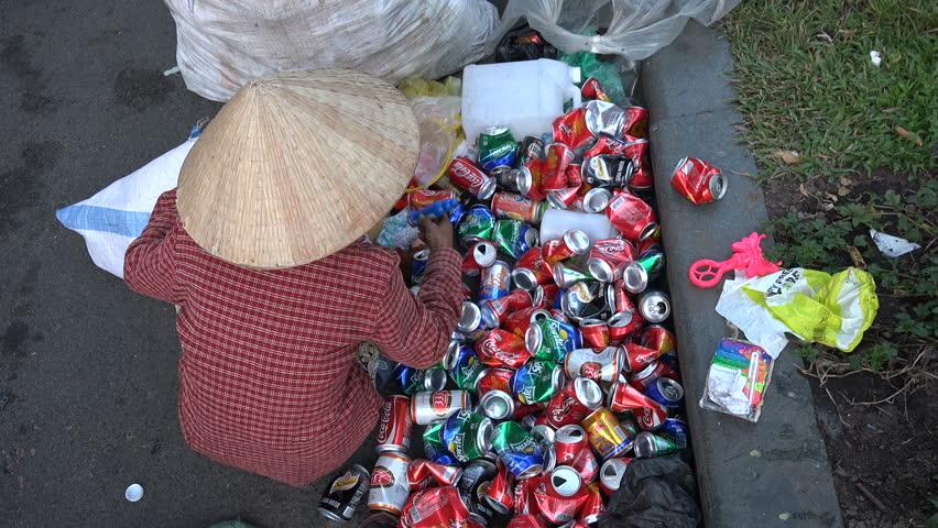 Nghề tái chế lon nhôm làm ô nhiễm môi sinh trầm trọng tại Nam Định