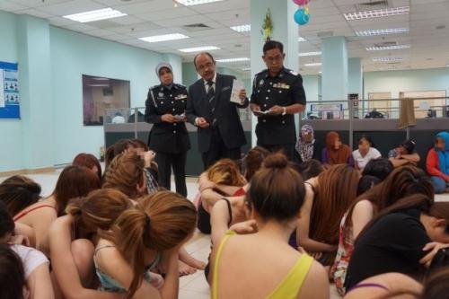 15 phụ nữ Việt Nam bị bắt vì tội mãi dâm ở Mã Lai
