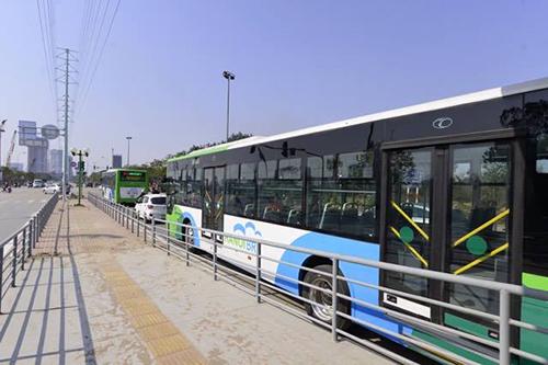 Tốn 55 triệu Mỹ kim, xe buýt tốc hành Hà Nội nhanh hơn xe buýt thường 10 phút