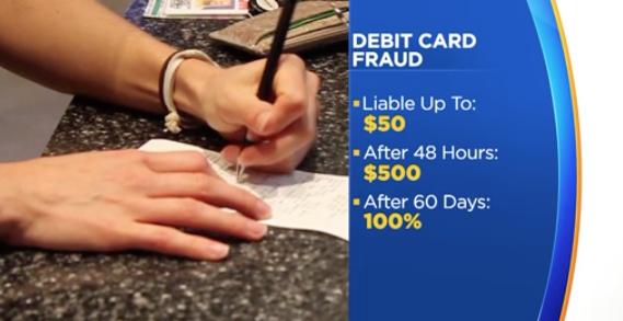 Cảnh báo không nên dùng debit card khi mua sắm