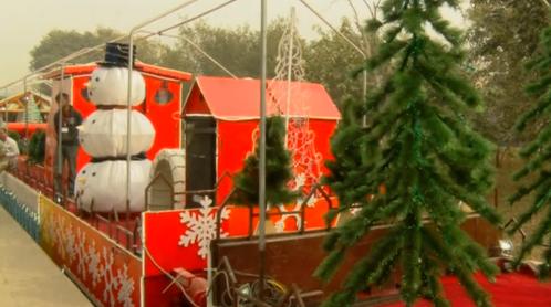Pakistan khai trương đoàn tàu Giáng Sinh