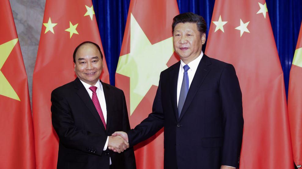 Thủ tướng Nguyễn Xuân Phúc đang 'hướng Trung'? (Lê Anh Hùng)