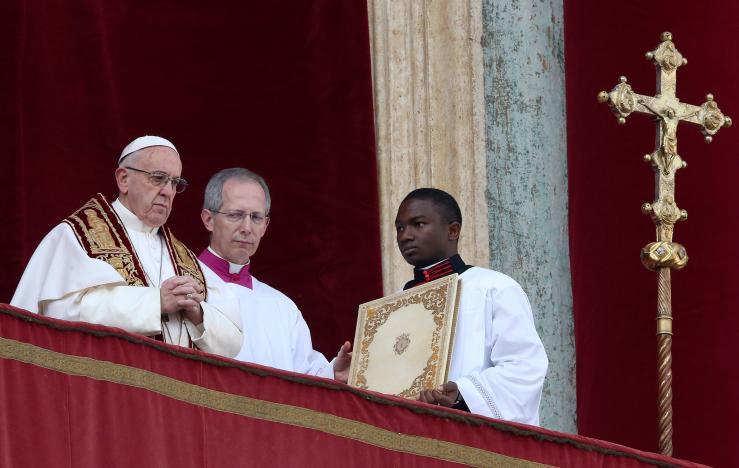 Đức Giáo Hoàng đọc thông điệp Giáng Sinh kêu gọi hoà bình, chống khủng bố và chiến tranh