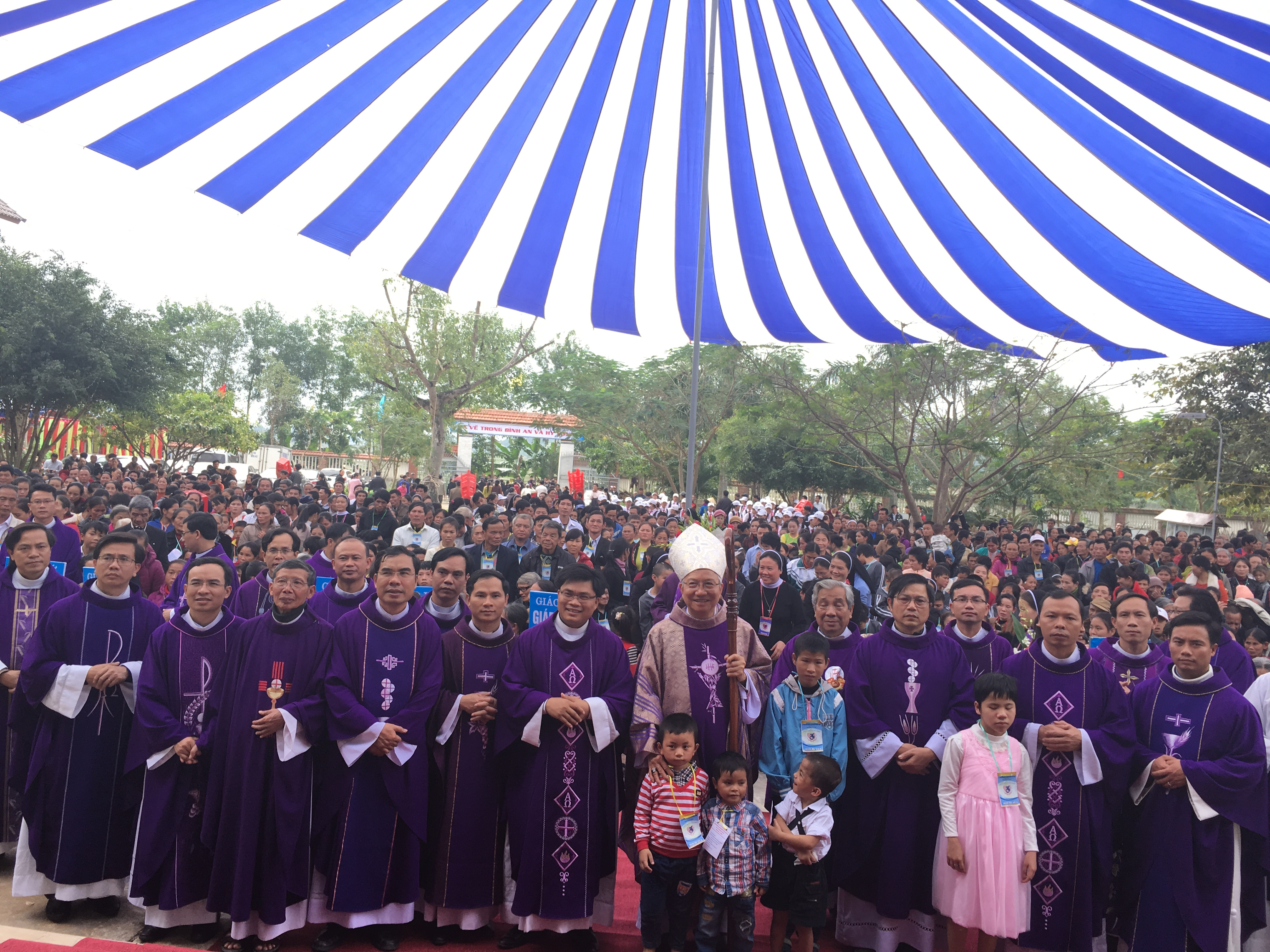 Giáo phận Vinh tổ chức Lễ Hội Người Khuyết Tật để hỗ trợ dân nghèo Quảng Bình