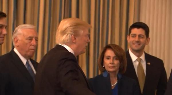 Ông Trump: Tạo thêm nhiều công việc trước cuộc họp các tổng giám đốc