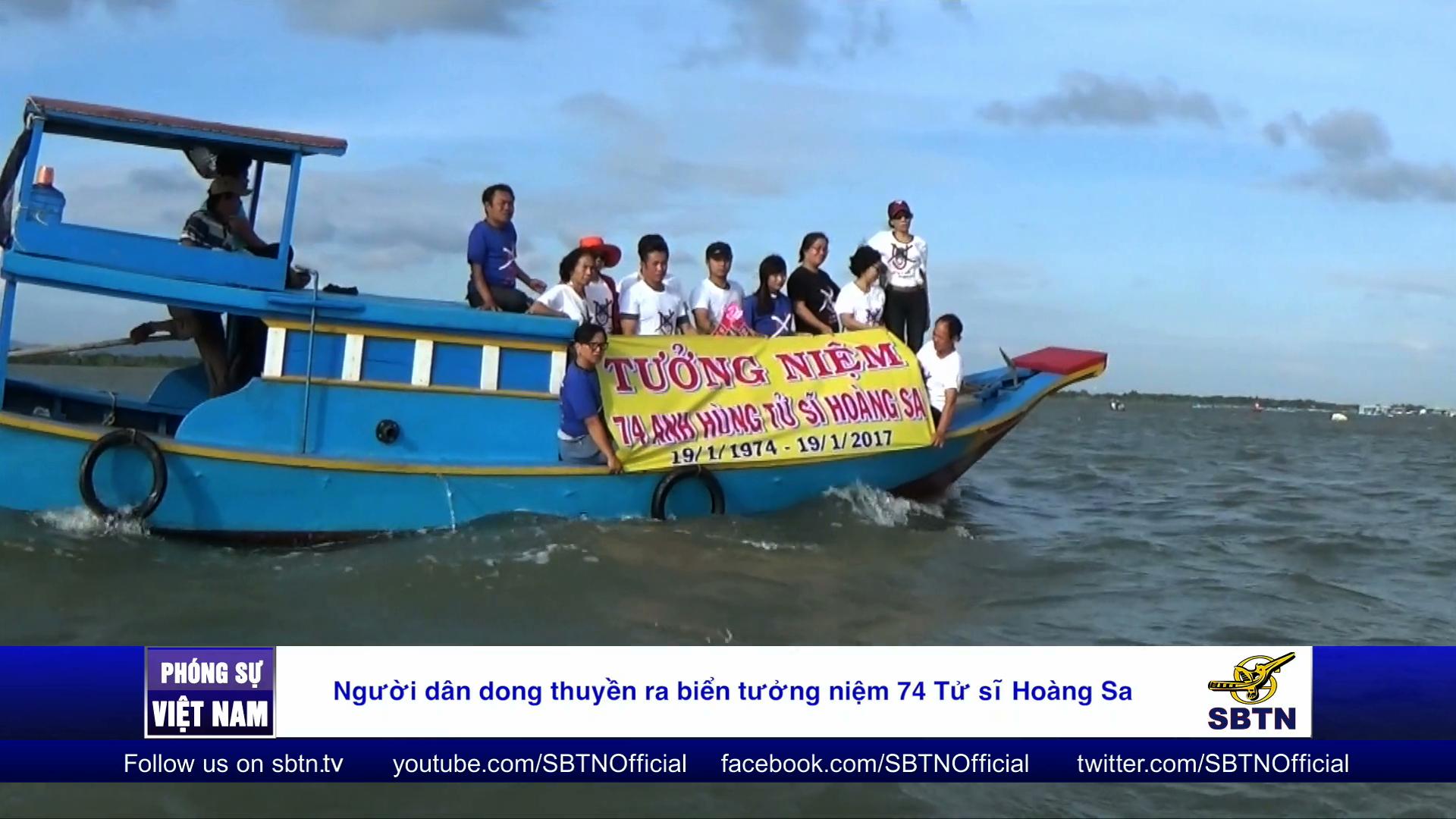 Người dân dong thuyền ra biển tưởng niệm 74 Tử sĩ Hoàng Sa