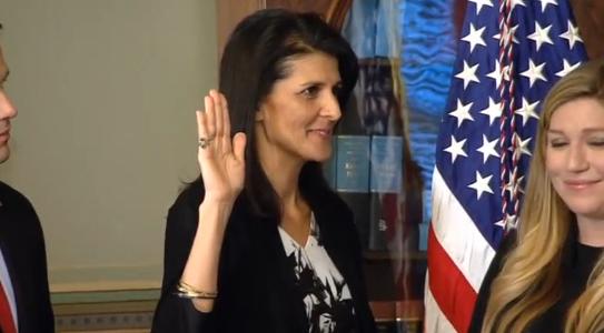 Bà Nikki Haley tuyên thệ nhặm chức đại sứ Liên Hiệp Quốc