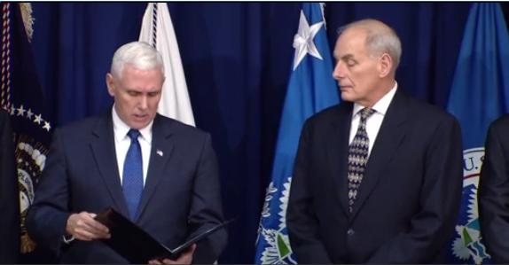 Bộ trưởng bộ Nội An giải thích cho thường trú nhân hợp pháp vào Hoa Kỳ
