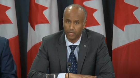 Canada cấp quyền tạm trú cho di dân bị Hoa Kỳ cấm nhập cảnh