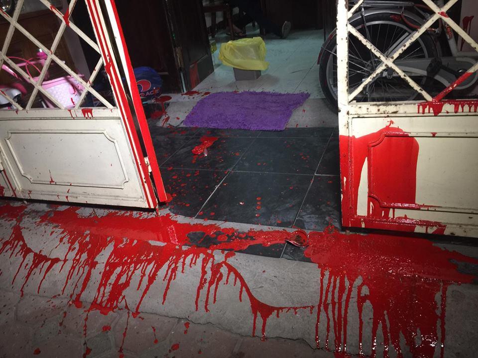 Tư gia luật sư Trần Thu Nam bị ném sơn trộn mắm tôm