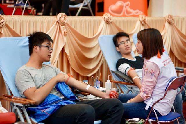 Bộ Y Tế CSVN quay 180 độ vụ hiến máu bắt buộc