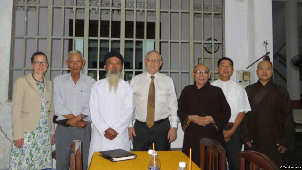 Đặc sứ tôn giáo Hoa Kỳ Saperstein thăm Hội Đồng Liên Tôn Việt Nam
