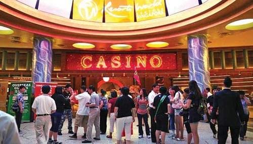 Cảnh cáo Việt Nam đánh ván bài lớn khi cho người dân vào casino