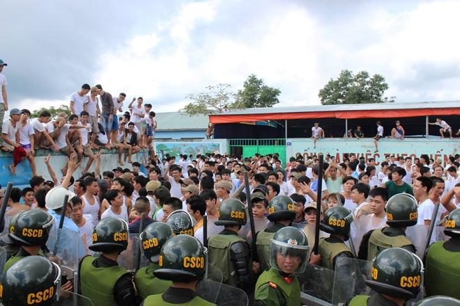 Gần 100 người cai nghiện trốn trại ở Long An chiều mùng 2 Tết