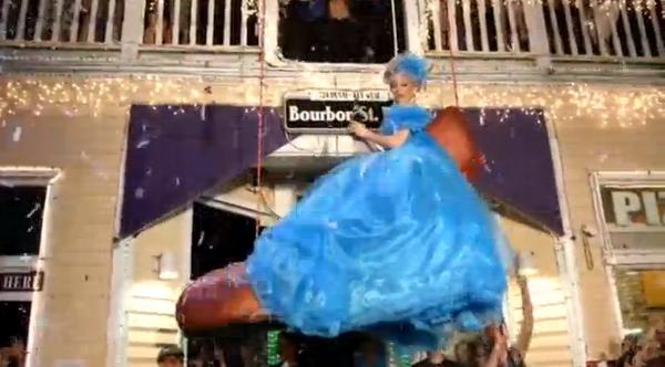 Lễ thả giày đỏ năm mới tại Key West
