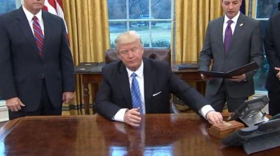 Quốc Hội Anh thảo luận về chuyến công du sắp tới của ông Trump