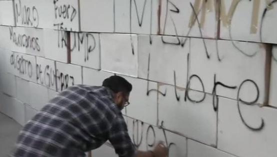Người Mexico dựng tường tạm quanh tòa đại sứ Hoa Kỳ