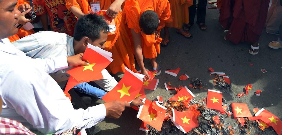 Cambodia dựa vào Trung Cộng để chống Việt Nam