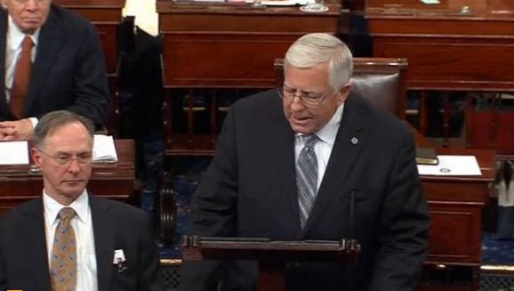 Thượng viện bỏ phiếu dự luật xóa bỏ Obamacare