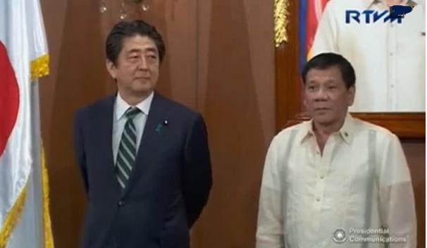 Thủ tướng Nhật gặp tổng thống Philippines tại Manila