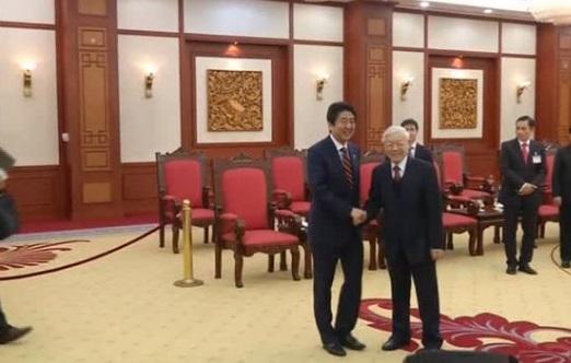 Thủ tướng Nhật Bản thăm Việt Nam đề cao vai trò của Hoa Kỳ