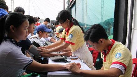 Bộ Y Tế CSVN đề nghị buộc dân hiến máu ít nhất một lần mỗi năm