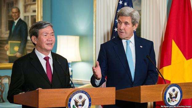 Khách mời của John Kerry bị chặn: Người Mỹ nghĩ sao?