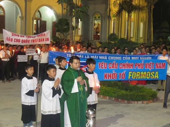 Các giáo xứ thuộc giáo phận Vinh lên tiếng ủng hộ giáo xứ Song Ngọc