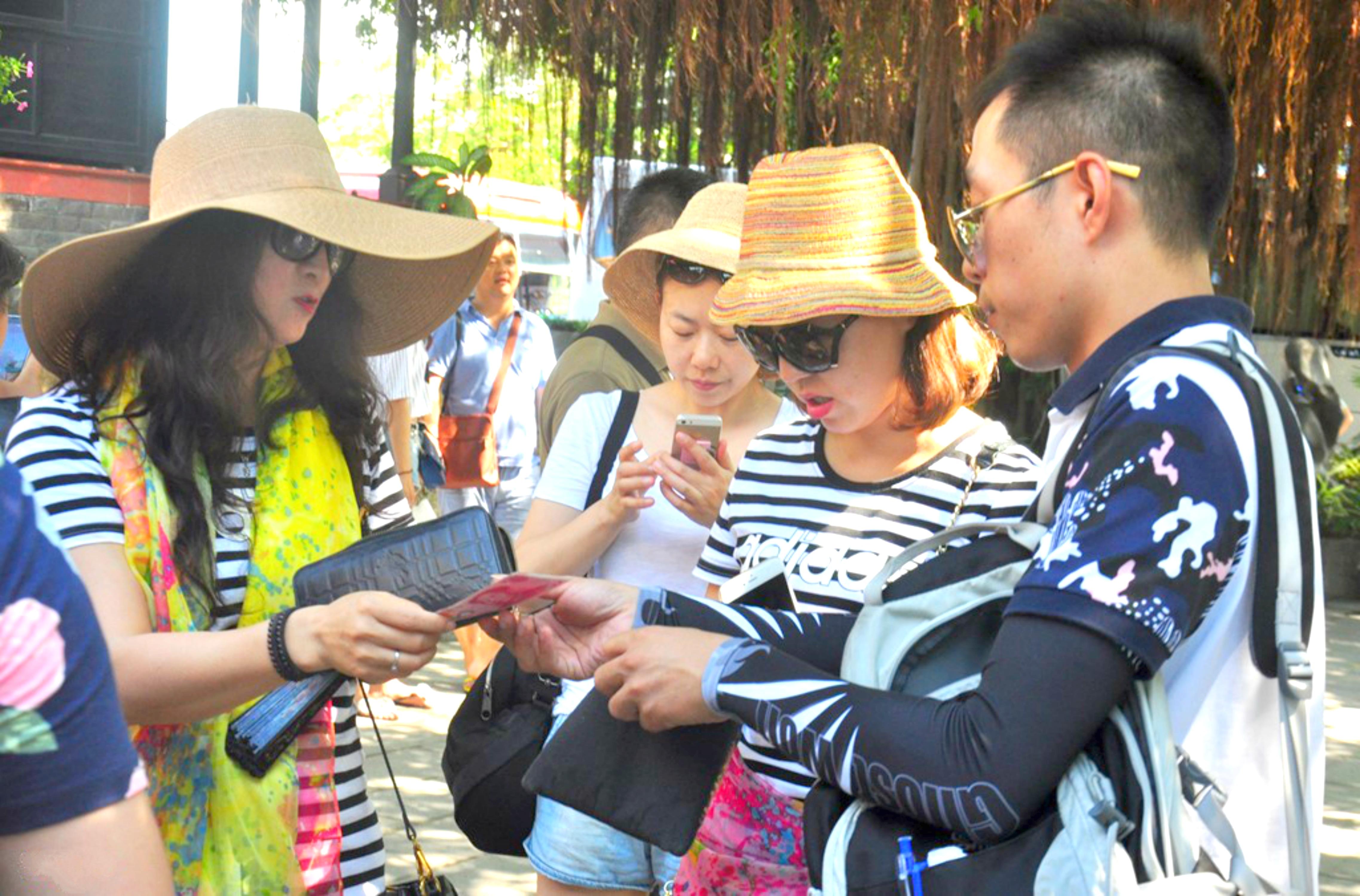 Mỗi tháng có gần 44 ngàn lượt khách Trung Cộng đến Nha Trang