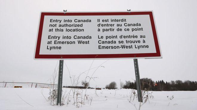 Dòng người tị nạn từ Hoa Kỳ ồ ạt sang Canada