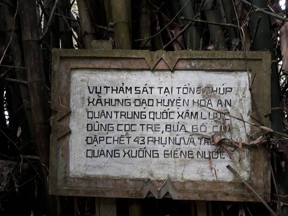 Thành viên CLB Hoàng Sa thắp hương tưởng nhớ 43 thường dân bị Trung Cộng thảm sát năm 1979