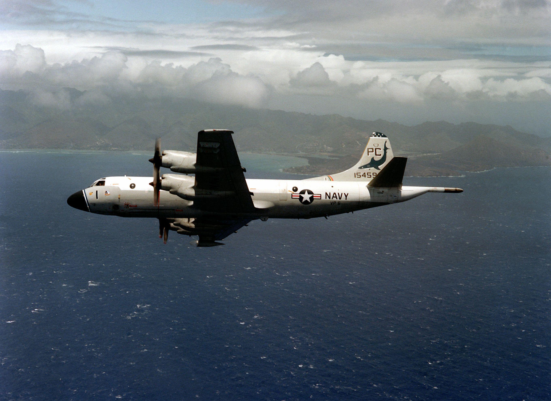 Máy bay Trung Cộng và Hoa Kỳ chạm trán tại Biển Đông