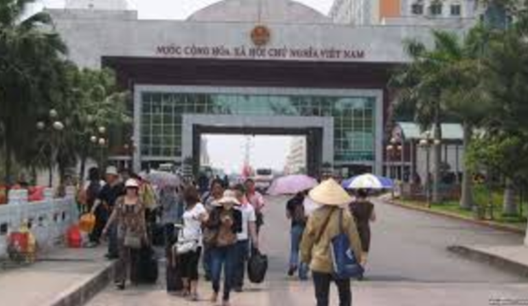 Việt Nam bác bỏ chuyện đánh du khách Trung Cộng