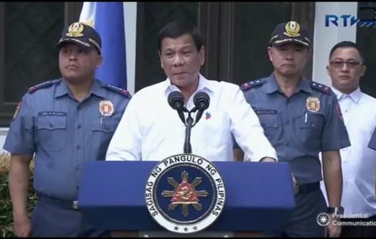 Tổng thống Philippines đang theo đuổi một chính sách nguy hiểm tại biển Đông