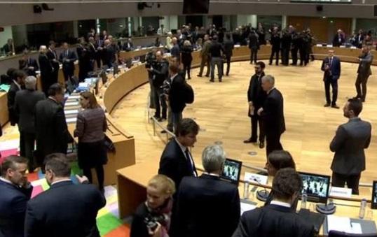 Các nhà ngoại giao Liên Âu tuyên bố tiếp tục cấm vận Nga vì cuộc xung đột Ukraine