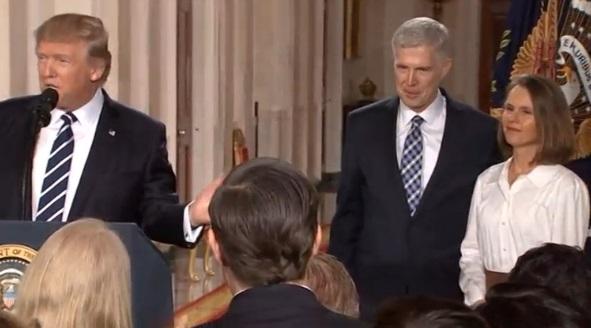 Ông Trump đề cử thẩm phán bảo thủ Neil Gorsuch vào Tối Cao Pháp Viện